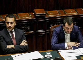 """""""Salva Roma"""", Salvini insiste: """"Si aiutino tutti non solo Raggi""""."""
