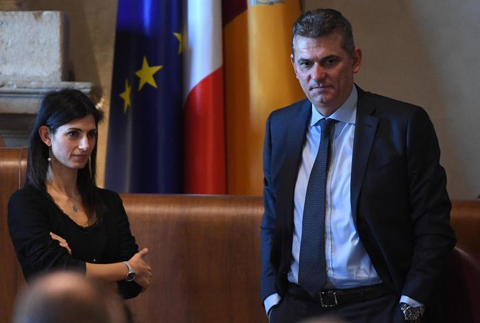 """Roma: esposto ex ad Ama, """"su conti pressioni da Raggi"""""""