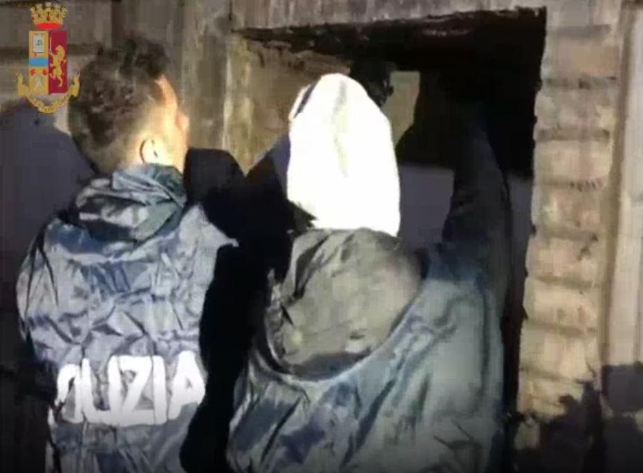 Scoperte 110mila dosi di cocaina in loculi di un cimitero del Verano