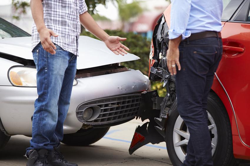 Falsi incidenti per truffe ad assicurazioni, 42 fermi e centinaia di indagati a Palermo