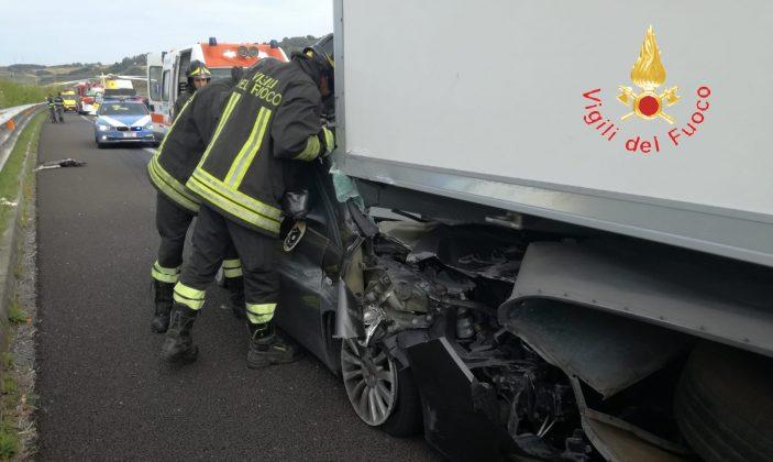 incidente A2 auto tir