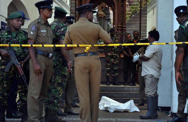 Attentati in chiese nello Sri Lanka, quasi 300 morti