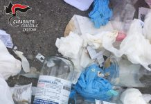 I rifiuti sanitari speciali smaltiti nei cassonetti a Crotone.