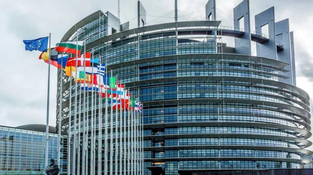 Elezioni europee, ecco tutti gli eletti italiani a Strasburgo [NOMI E PREFERENZE]