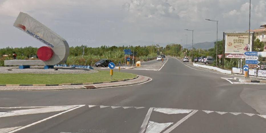Incidente sulla statale 18, muore un motociclista